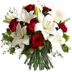 bouquets de saint valentin: bouquet de lys et de roses
