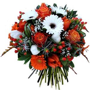 fleurs fête des grands-mères: bouquet de tulipes et de roses