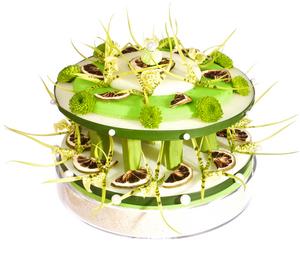 gateaux de fleurs anniversaire: gateau à étages vert et blanc