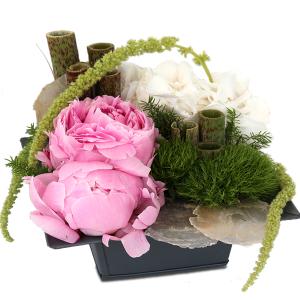 composition florale fête des mères privoines rose pâle hortensia blznc