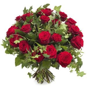 bouquet de fleurs: bouquet rond de roses rouges