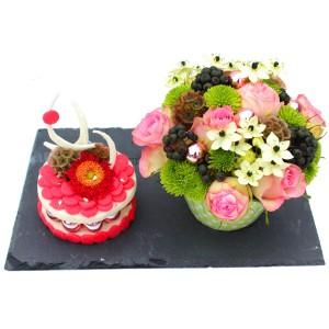 fleur de Noël: composition florale en forme de gâteaux de fleurs de Noël