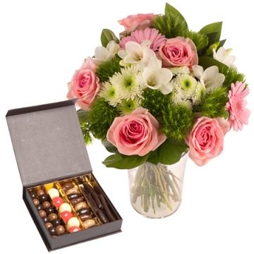 Fleurs naissance livraison fleurs par floraclic for Bouquet de fleurs pour une naissance
