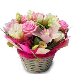 fleurs anniversaire: livraison à domicile, bouquet de fleurs sur