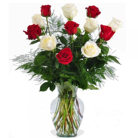 livraison de fleurs bouquet de 12 roses rouges et blanches floraclic. Black Bedroom Furniture Sets. Home Design Ideas